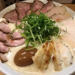 Ramen 辻 - 肉醤油の肉増し(大盛り)煮玉子トッピング