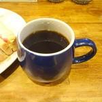 ジジーズ & ババーズ - モーニングタイムセットのコーヒー