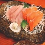 雲峰荘 - 刺身は淡水魚:イワナ、甲斐サーモン