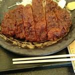 とんかつ浜名 - チーズ味噌ロースカツの大。