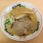 よし乃  - 旭川かとうらーめん げんこつ・醤油(750円)
