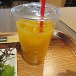 天神ビービー・キュイジーヌ - 飲み物は朝だったんでオレンジジュースを選んでみました。