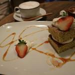 フエ° - ジャスミンティーのバターケーキ&カフェラテ