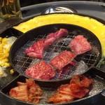 62191795 - トロ肉 焼き焼き♪