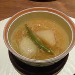 川久 - 替鉢「聖護院大根と蟹味噌真丈にインゲンと蟹あんかけ」