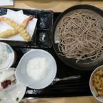 亮月 - 料理写真:2017年1月 とろろそば(冷)+えび天とご飯のセット 1566円