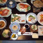 湖泉閣養生館 - 料理写真:夕食