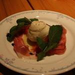 リストランテ グラッツェ - モッツァレラチーズと生ハム