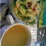 エベレストダイニング - サービス豆スープと105円サラダ