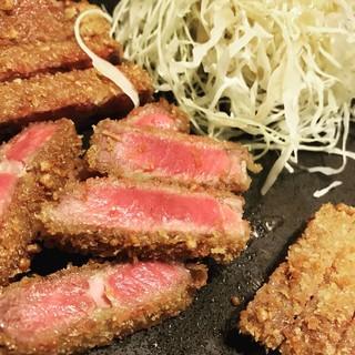 牛カツ専門店 京都勝牛  梅田 - レアが際立つ!