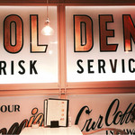 ゴルチャ Golden child cafe - ▲入り口左手のディスプレイ