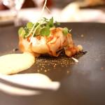 マダム・トキ - ホタテ貝とフォアグラのパータフィロソテー りんごと根セロリのピューレ セップ茸のサバイヨン