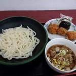 62207409 - 肉つけ麺と、おにぎり・唐揚げ櫛(右奥)