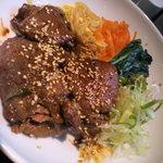 焼肉 腰塚 - 黒毛和牛焼肉丼990円