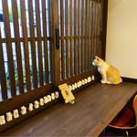 猫衛門 - 外を寂しげに眺めるアンニュイ猫様