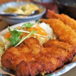 やよい軒 - 料理写真:チキン南蛮とエビフライ定食