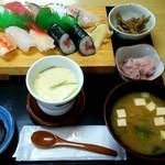 次郎長寿司 - 次郎長定食(竹) 蓋オープン