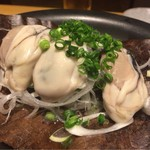 62218761 - 地元広島産の牡蠣の朴葉焼き、プリプリの牡蠣、絶品です。