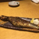高田屋 - 子持ちにしんの炙り焼き、ニシンは北の漁場の主役
