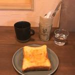 asipai + HIBICOFFEE - フレンチトーストとブレンド