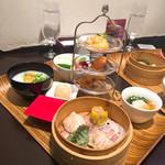 荘園中華と飲茶 リー ツァン ティン  - 李さんの飲茶と中華粥のセット