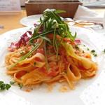 IL FIORE - 小エビとキャベツのトマトソース (麺:生パスタ)