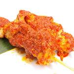 ジュンバタン・メラ - サテタンブリナス。激辛のチキン串焼き。ぜひお試し下さい!