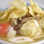 ジュンバタン・メラ - ソトババット。柔らか~く煮込んだ牛テールのスープです。