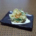 やぶ久 - 『イカと彩り野菜のかき揚げ天麩羅』そば・うどんと一緒にお召し上がり下さい。税込み270円