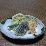 やぶ久 - ランチメニュー『野菜天5品』そば・うどんと一緒にお召し上がり下さい。税込み420円