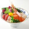 リアスキッチン - 料理写真:旬のリアス丼