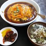 美華園 - メニューにない「炒飯の天津丼」