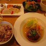 畠瀬本店食品部 - 鶏と大豆のハンバーグセット