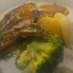 6224381 - 真鯛のポワレの下には、温野菜(ブロッコリー、ミニコーン、サツマイモ)