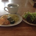 Cafe de RocoMoco - 料理写真:ビュッフェのスープ グリーンリーフ  キムチ╰(*´︶`*)╯♡