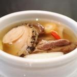 62247573 - (ランチver.佛跳墻)鮑と中国乾物入り蒸しスープ