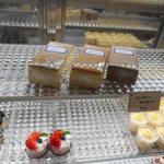 洋菓子工房 queue - コレがロールケーキになります♡