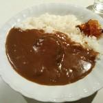 えんどう豆 - ハンバーグカレー ¥680