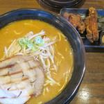 マルキン本舗 - 料理写真:百年味噌ラーメン+からあげセット