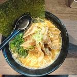 夢家 - 料理写真:2017年1月 肉ラーメン 900円