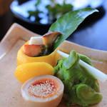 幻董庵 -  焼物 ①鰆とそら豆 ②サーモンと里芋 ③玉子