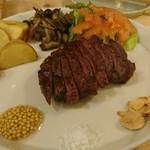 ソノラバーガー - 米沢牛ステーキ。