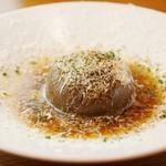 北海道玉ねぎまるごと1個の食べるオニオングラタンスープ
