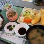 どーや食堂 - 料理写真:鮃の唐揚げ定食