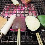 囲炉裏の家 むくの木 - お野菜の田楽焼きもありますばい。 京都生麩・茄子・厚揚げ・長葱・コンニャク