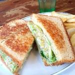 62280142 - ベジタリアンサンドイッチ。