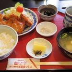 肉道楽いろは - 2017年2月 若鶏唐揚げ定食(780円)