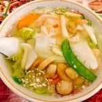 富筵 - 『海鮮入りスープそば』様(1050円)塩ベースでこちらの方がかなりアッサリ仕立て!