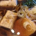 62286450 - 湯波は巻湯波2個とゼンマイ巻と高野豆腐巻が入ってます。