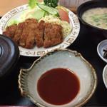 ラッキー食堂 - 料理写真:トンカツ定食(味噌汁を粕汁に変更200円UP)